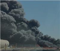 دبي تتعامل مع حريق هائل في مخلفات زيوت بمنطقة صناعية