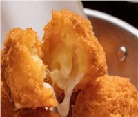 جددي مائدتك.. طريقة تحضير كرات الدجاج بالجبن