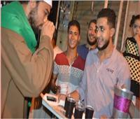الأقباط يحتفلون مع المسلمين بتوزيع الهدايا بمناسبة المولد النبوي   صور