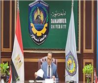 رئيس جامعة دمنهور يعلن عن مسابقة لأفضل أداء تدريسي بالجامعة