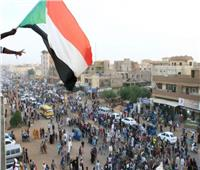 تقارير سودانية: أمريكا ترفع حظر التعاون العسكرى عن الخرطوم