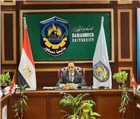 عبيد صالح: تحديث المقررات الدراسية بجميع كليات الجامعة وفقا للمعايير الدولية