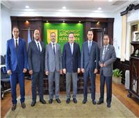 رئيس جامعة الإسكندرية يستقبل وفد بنغازي لبحث سبل التعاون العلمي