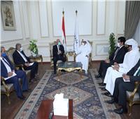 وزير النقل يلتقي نظيره القطري لبحث التعاون في المجالات المختلفة