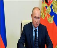 بسبب كورونا.. بوتين يمنح أجازه لكل العاملين في روسيا