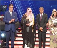حسين زين يفتتح جناح الوطنية للإعلام بسوق «الإذاعي والتليفزيوني» بتونس