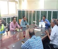رئيس مدينة ملوى: الإلتزام بمواعيد «حياة كريمة» من الجهات المنفذة للمشروعات