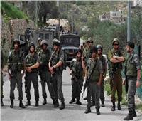 الاحتلال الإسرائيلي يعتقل 10 فلسطينيين بالضفة الغربية اليوم