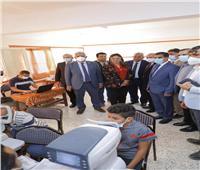 «محافظ دمياط» تتفقد القافلة الطبية ومبادرة«100 مليون صحة» بقرية «طبل»