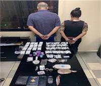سيدة تستأجر شقة لزوجها لإدارتها وكرًا لتجارة المخدرات بالسلام