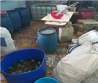 ضبط 6 مصانع عشوائية بداخلها 165 طن أغذية ومخصبات زراعية فاسدة