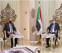 بعد اللقاء الرباعي.. حمدوك يعقد اجتماعا منفصلا مع المبعوث الأمريكي