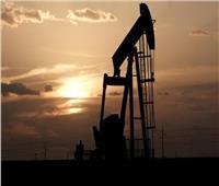 النفط يعزز مكاسبه.. وبرنت يسجل 85.99 دولار للبرميل