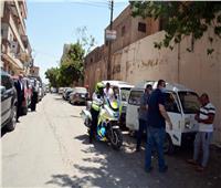المرور تواصل فض المواقف العشوائية لتحقيق السيولة بالشوارع والميادين