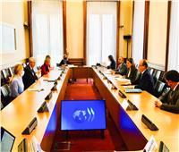 وزيرة التخطيط بالمنتدى الاقتصادي العالمي: عمل المرأة يساهم في النمو