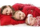 النوم وتناول الطعام في ساعات منتظمة يحمي الأطفال من البدانة