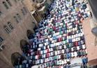 مئات الفلسطينيين يؤدون صلاة الجمعة داخل المسجد الأقصى