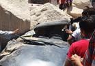 نجاة مواطن تحطمت سيارته بعد سقوط أحجار عليها بسوهاج
