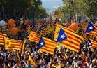 نسبة إقبال الناخبين على استفتاء استقلال كتالونيا تتخطى 50 %