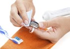 ينظف الحوائط ويلمع الأحذية.. 6 استخدامات مذهلة لمعجون الأسنان