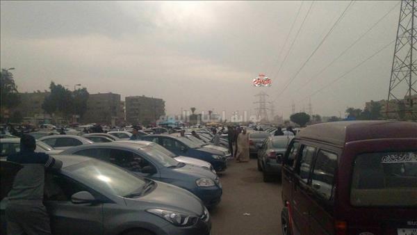 جانب من سوق السيارات