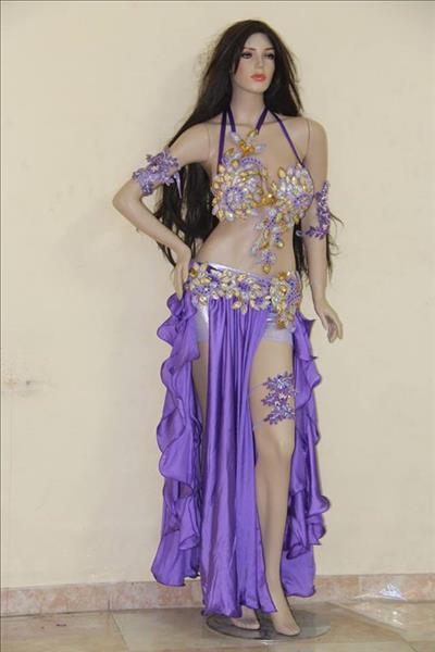 """""""رحلة صناعة بدلة الرقص"""".. والمنتج المصرى يغزو الأسواق العالمية"""