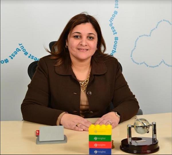نجلاء قناوي رئيس قطاع الموارد البشرية في فودافون مصر