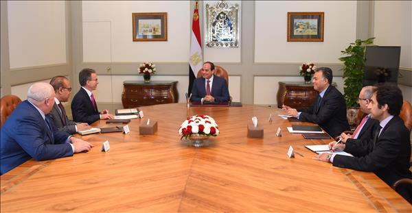 السيسي : مصر منفتحة للتعاون مع جميع الشركات العالمية