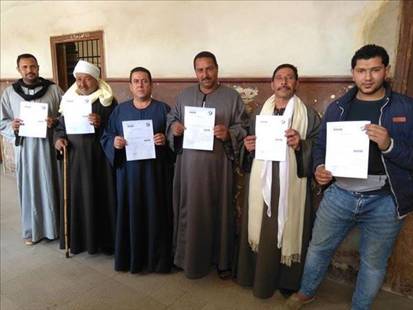 المواطنون توافدوا لتحرير توكيلات تأييد مرشحي الرئاسة المحتملين