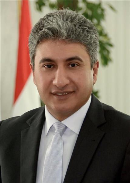 شريف فتحي وزير الطيران المدني
