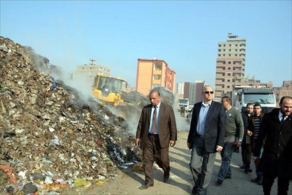 محافظ القليوبية يشرف علي رفع القمامة