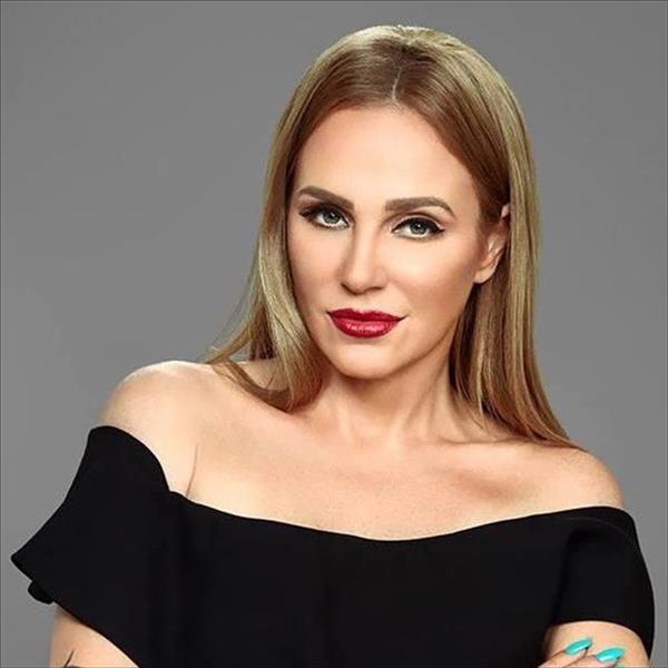النجمة شيرين رضا