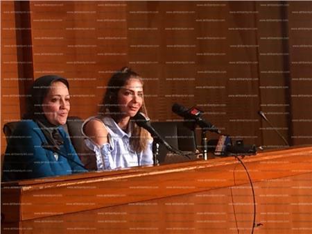 مني زكي وندوة تكريم مهرجان أسوان للسينما المرأة