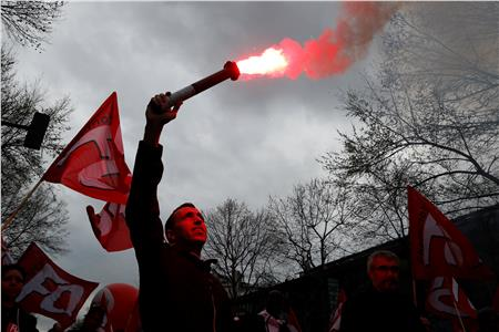 احتجاجات بفرنسا