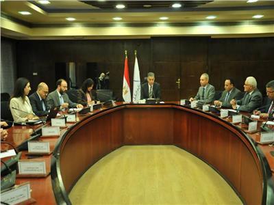 «عرفات» يلتقي وفد البنك الدولي لبحث التعاون في مجالات النقل