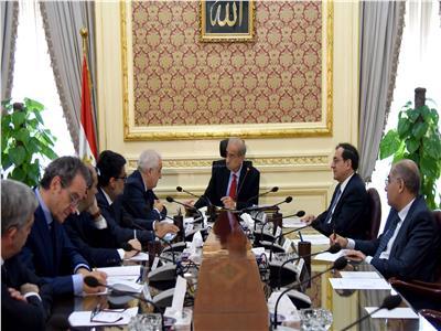 اجتماع رئيس الوزراء بنائب رئيس شركة إيني _ تصوير: أشرف شحاتة