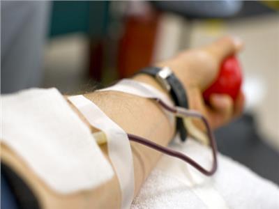 «فتوى»| هل التحليل أو التبرع بالدم يفسد الصيام؟