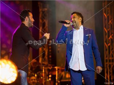 خالد يغني مع سعد رمضان على مسرح النهضة
