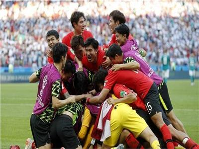 لحظة فرحة لاعبو كوريا الجنوبية بعد الإطاحة بألمانيا في المونديال