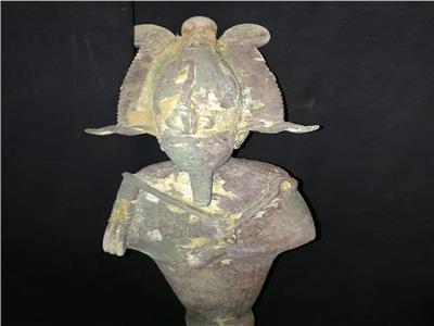 تمثال الإله أوزير