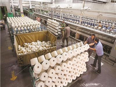 نقص العمالة جرس إنذار يهدد صناعة الغزل والنسيج