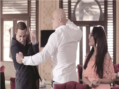 سامح حسين وأحمد التهامى وراندا البحيرى فى مشهد من «سرايا حمدين»