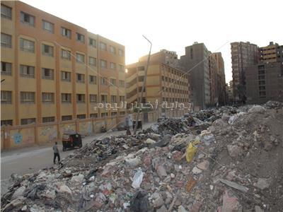 ناطحات القمامة تسقط على سكان فيصل