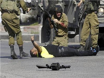 قوات إسرائيلية تقتل فلسطينيين اثنين في احتجاجات على حدود غزة