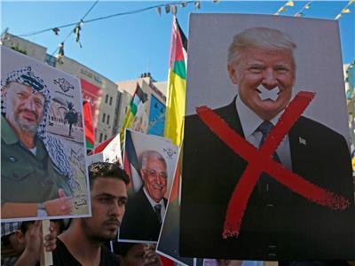 «التحرير الفلسطينية» تدين «تحيز» ترامب لأجندة نتانياهو..وتؤكد: «ابتزاز رخيص»