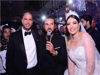 سامو زين مع العروسين محمود وشيرين