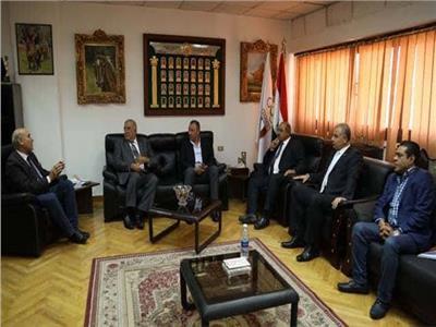 بدء اجتماع وفد الأهلي مع رئيس وأعضاء اللجنة الأولمبية
