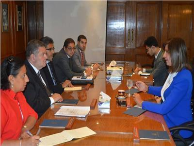 وزيرا قطاع الأعمال العام والهجرة يبحثان التأمين على المصريين بالخارج في حالات الوفاة