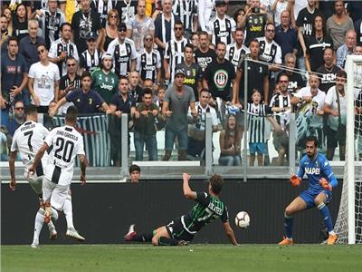 """لحظة أحراز """"كريستيانو رونالدو"""" أول أهدافه مع اليوفي"""