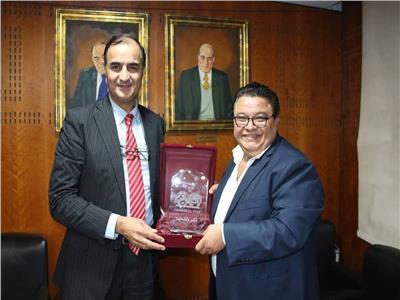 تكريم رئيس تحرير بوابة أخبار اليوم للمخرج خالد جلال